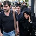 شهاب حسینی و همسرش و الهام حمیدی در مراسم ختم همسر شهید بابایی