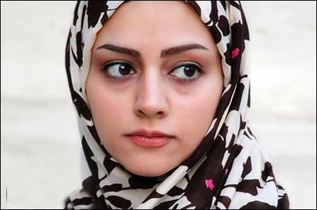 مهسا کریم زاده,بیوگرافی مهسا کریمزاده بازیگر,نقش فرانک در خروس