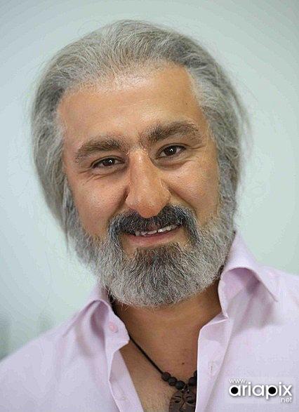گریم محسن تنابنده در نقش ابی خواننده