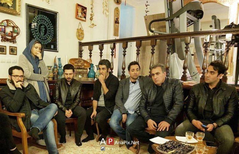 جمعی از بازیگران و هنرمندان در منزل علی معلم