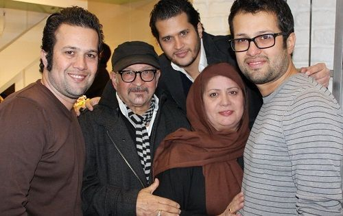 عکس سیاوش خیرابی و پدر و مادرش