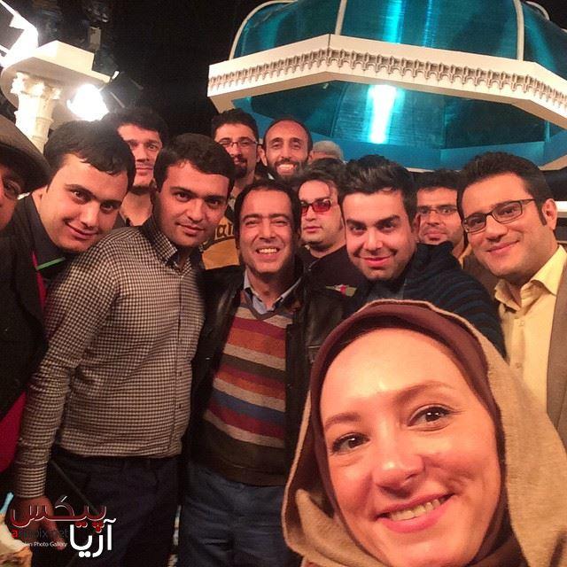 عکس سلفی و دسته جمعی از پشت صحنه خوشا شیراز با حضور سحر ولدبیگی و همسرش  نیما فلاح / اذر 93