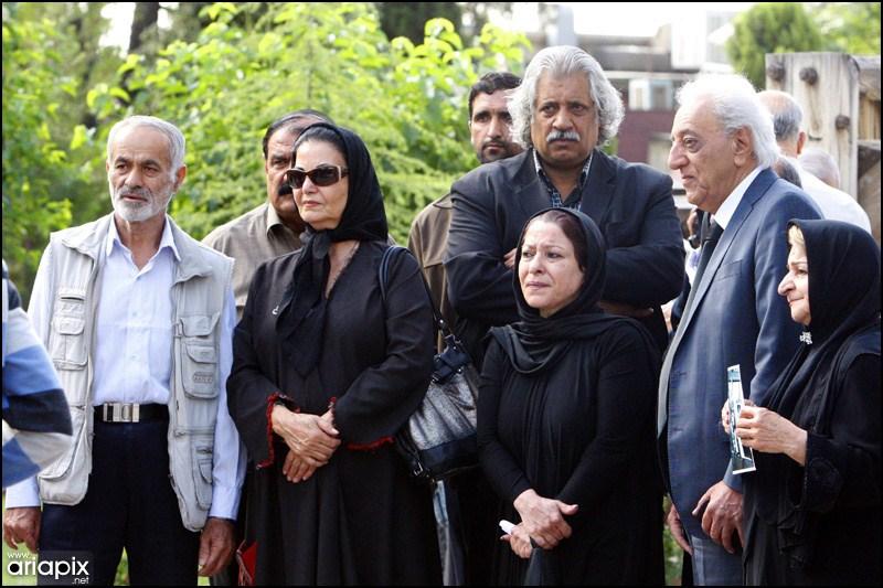 مراسم تشییع شاپور قریب با حضور هنرمندان