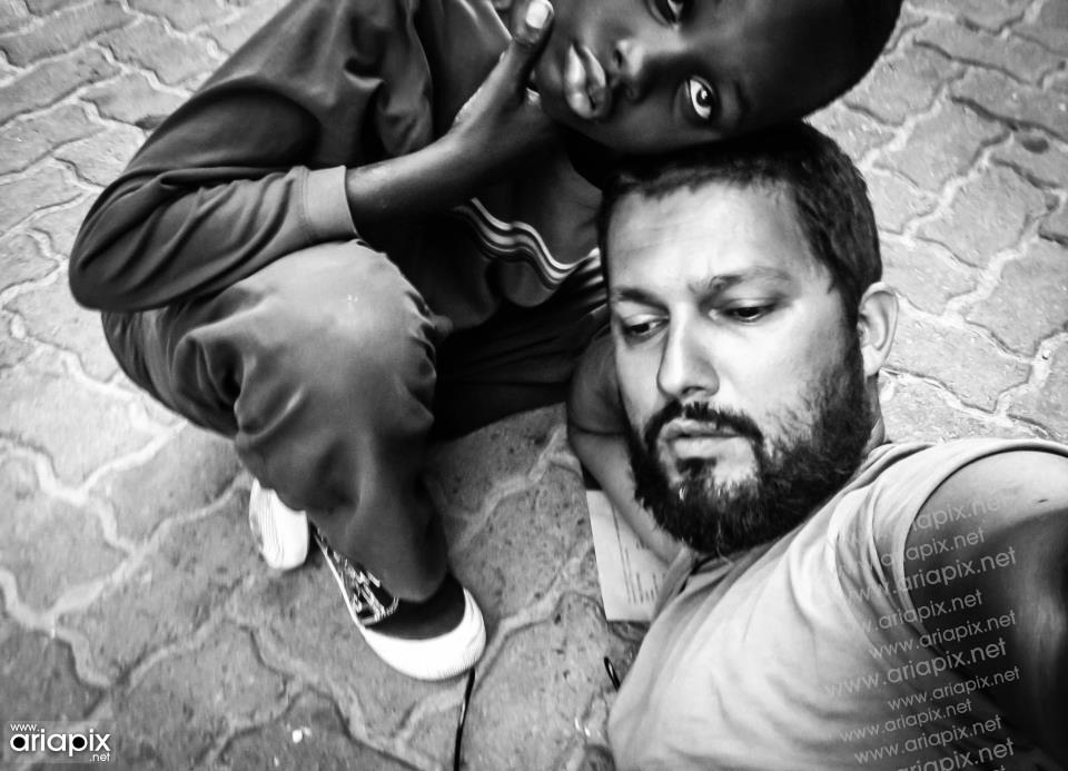 حامد بهداد در مسافرت افریقا