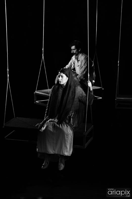 عکسهای طناز طباطبایی در تئاتر کمی بالاتر