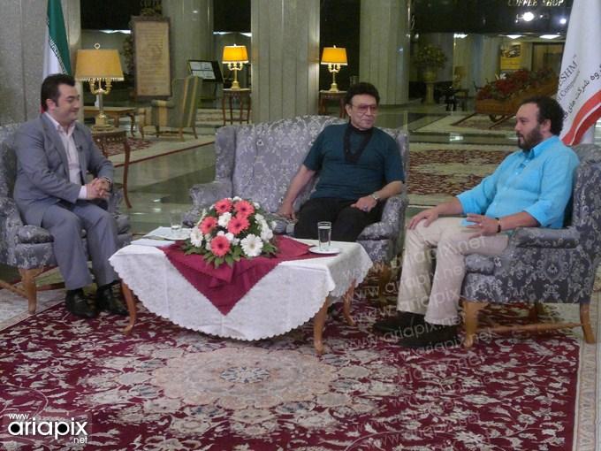 عکس های جدید کامبیز دیرباز در برنامه صبح خلیج فارس